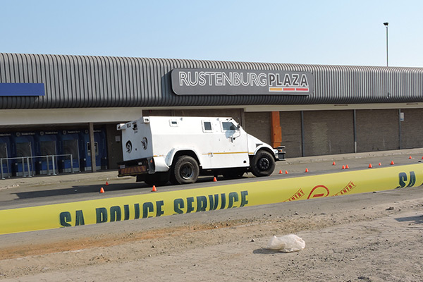 <p><strong>Cash in transit robbery claims a life</strong></p>