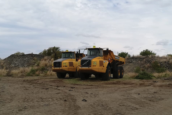 <p>DIGGING FOR TROUBLE<br /> 10 ILLEGAL MINERS ARRESTED</p>